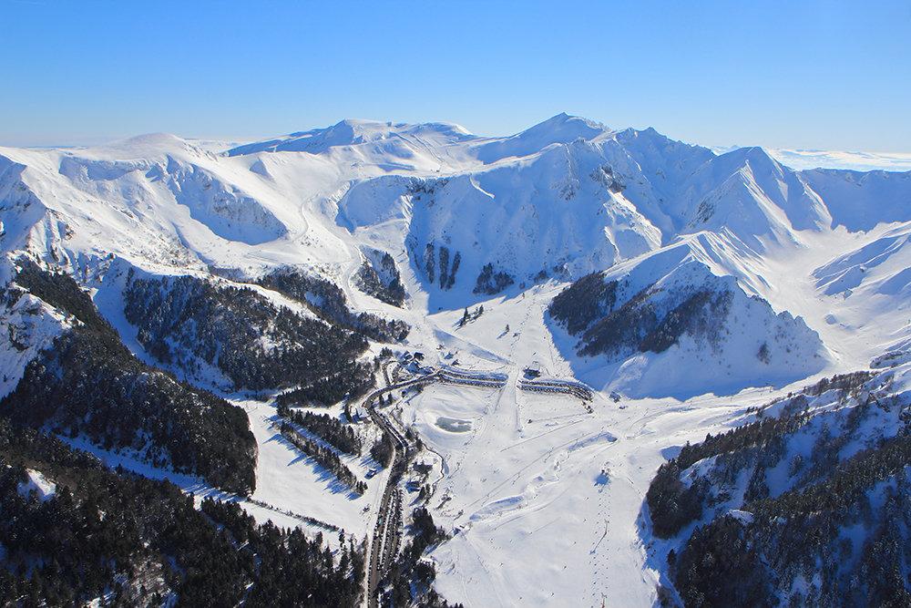 vue_aérienne_du_domaine_skiable_mont_164598