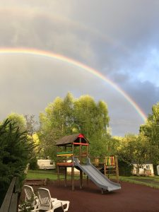 magnifique arc en ciel au camping
